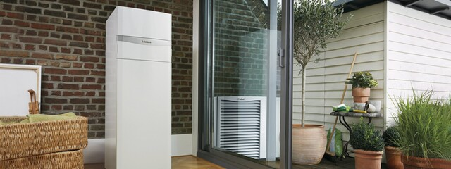 https://www.vaillant.es/images/products-1/arotherm/arotherm-slider-824244-format-24-9@640@desktop.jpg