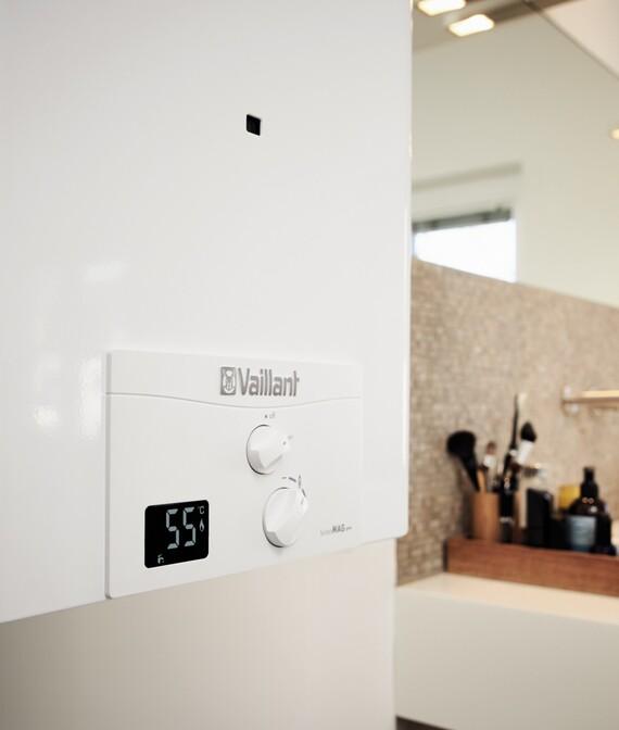 Primer plano de turboMAG pro instalada en cuarto de baño
