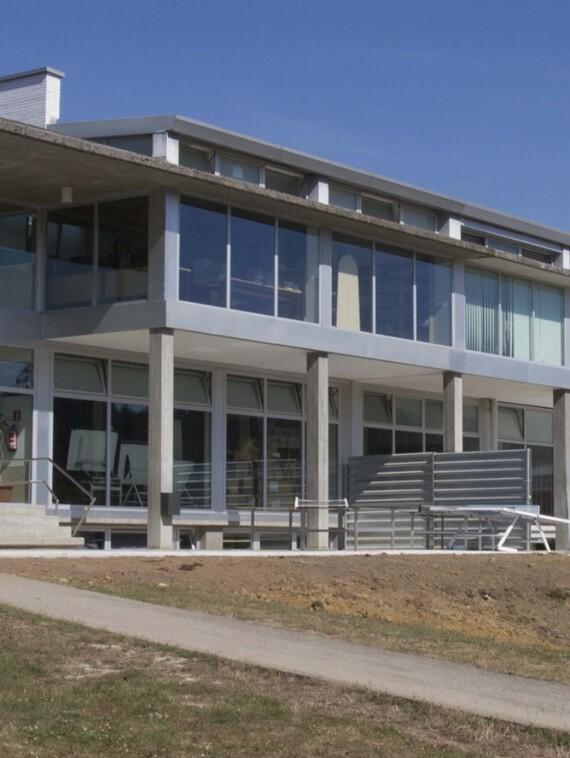 Colegio en Llanera