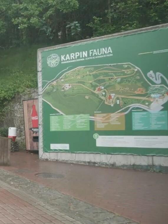 Exteriores del centro de ecogida de fauna El karpin