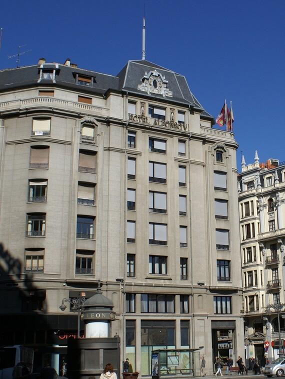 https://www.vaillant.es/images/references/instalacion-1/hotel-alfonso-v-len-435401-format-3-4@570@desktop.jpg