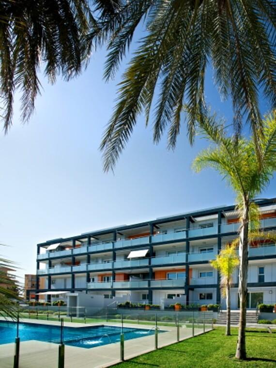 Cascada geotérmica Apartamentos de lujo a pie de playa