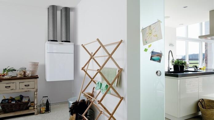 Sistema de ventilación conrecuperación de calor recoVAIR en el cuarto de la lavadora